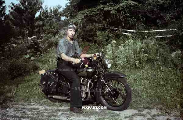 indian motorcycle, USA, 1945, Returning american soldier. Hat, bike goggles, rebel, Leather Motorcycle Saddle Bags,