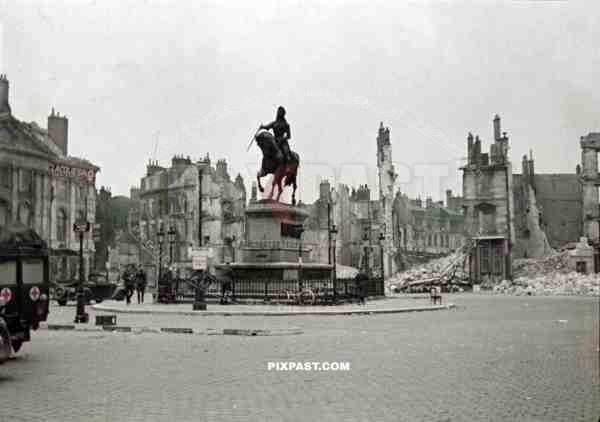 Statue of Jean d'Arc at the Place du Martroi in Orlean, France 1940