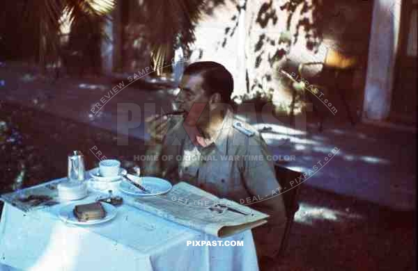 WW2 color Luftwaffe Field Division 2nd Lufllotte tropical luftwaffe officer eating sausage breakfast sicily 1943