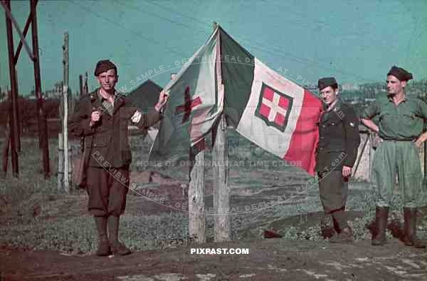 WW2 Color Ukraine 1942 Italian military infantry soldiers with flag
